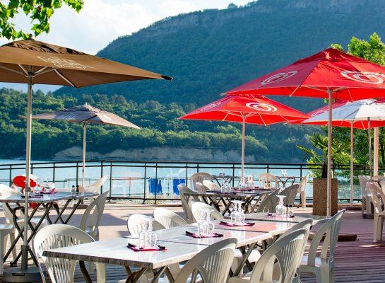 https://la-mira.com/wp-content/uploads/2020/12/266-galerie-retaurant-camping-savel-terrasse-545x400.jpg