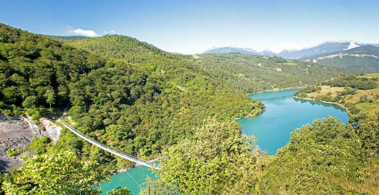 https://la-mira.com/wp-content/uploads/2021/02/212-editeur_page_bloc_element-tourisme-au-camping-savel-1800x725-1-765x394.png